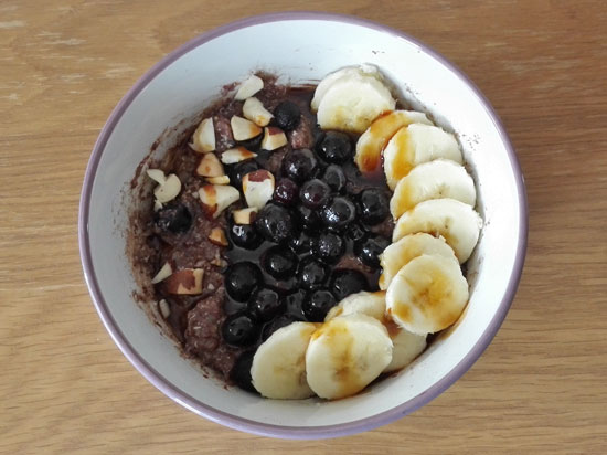 Cacao fruity quinoa porridge
