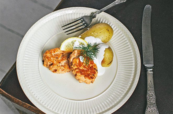 salmon fish cakes low fodmap recipe