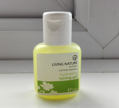 Living Nature hydrating toning-gel