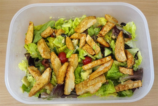 Simple salad with Quorn Roast Chicken Sliced Fillets [vegetarian]
