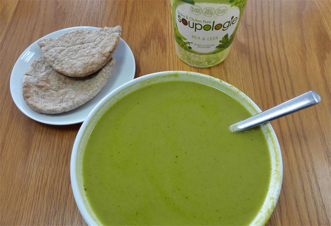 Soupologie: Pea and leek soup