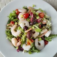 Mediterranean prawn salad [low-carb]