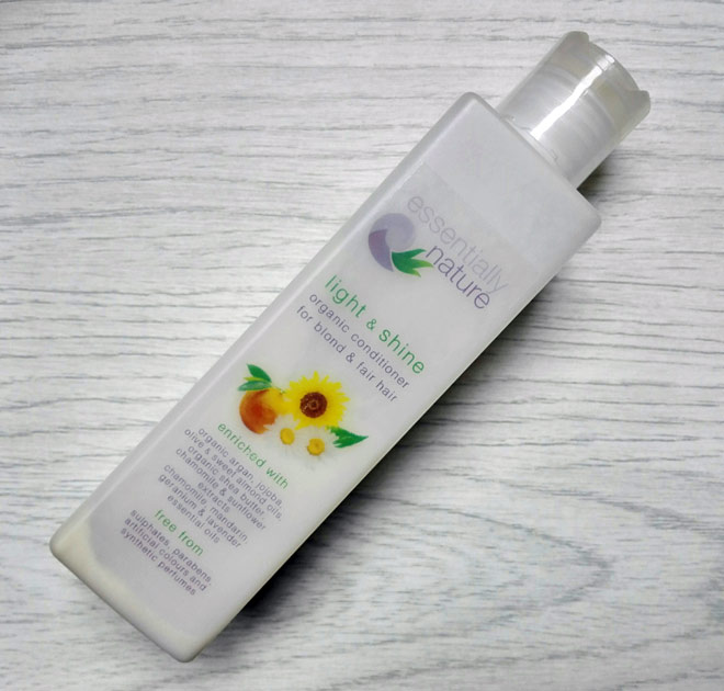 Essentially Nature light and shine organic conditioner