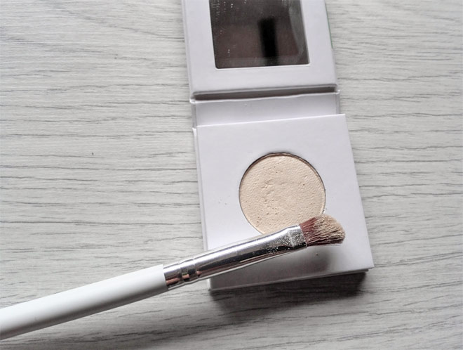 phb eye shadow and brush
