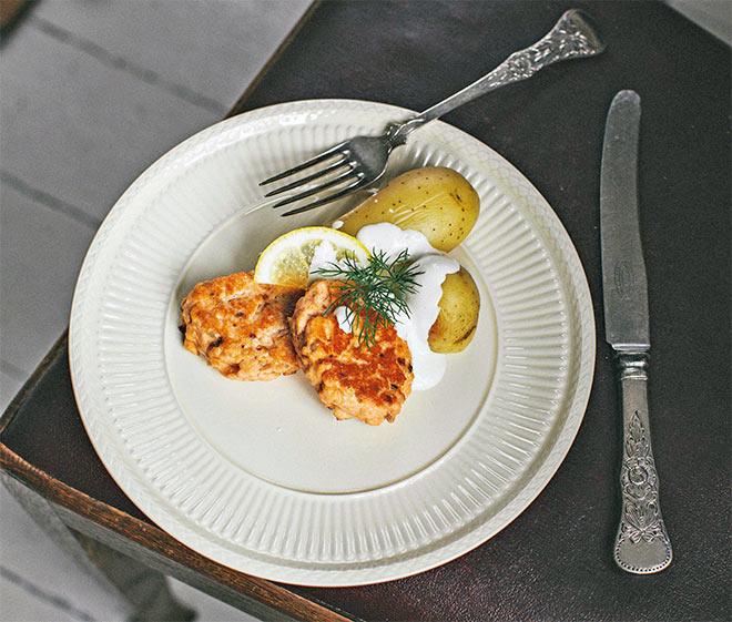 Healthy salmon fish cakes - low fodmap