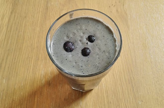 banana blueberry protein smoothie