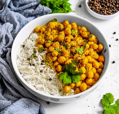 Easy vegan coconut chickpea curry