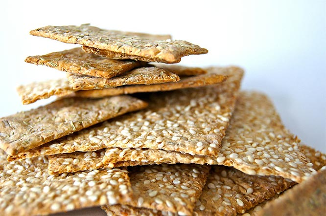 healthy snack: wholegrain crackers